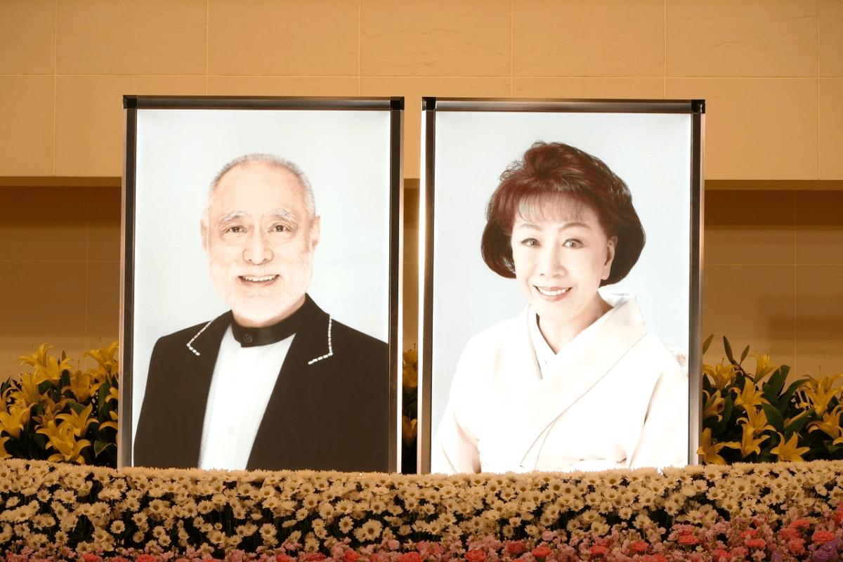 津川雅彦さん、朝丘雪路さんご夫婦の合同葬お別れの会。青山葬儀所で