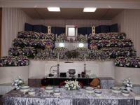 たくさんのお花で多くの方に見送られての葬儀