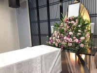 信成会館で無宗教葬