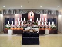 市川市斎場「第三式場」季節の花祭壇「秋」