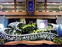 形式にとらわれないお葬式があるのをご存知ですか?私達は、お客様ニーズにお答えします。